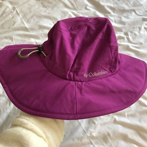 Columbia Accessories - Columbia Sun Goddess II Booney Hat Berry Jam New f3435d45db35